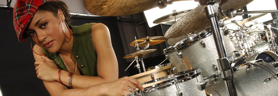 KIM THOMPSON AND NIKKI GLASPIE - BEYONCE'S DUAL DRUMMERS